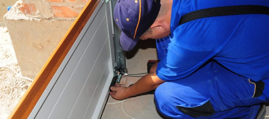 Use These Tips To Select A Garage Door Repair Company